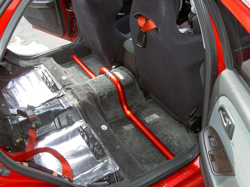 サイドフレームのよれを打ち消し、しかもキャンディーレッドに塗装されているので車内のワンポイントアクセントにも!! 商品名: 材質: スチール製 カラー: キャンディーレッド 適合車種: 価格: ¥36,80 […]