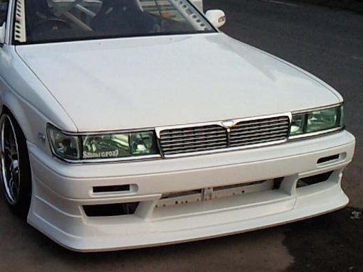 商品名: フロントバンパースポイラー 材質: FRP製 適合車種: C33 LAUREL 価格: ¥32,184(税込) 個  ご注意 FRP製パーツは白ゲルコートでの出荷になります。表記の価格には、塗装費・ […]