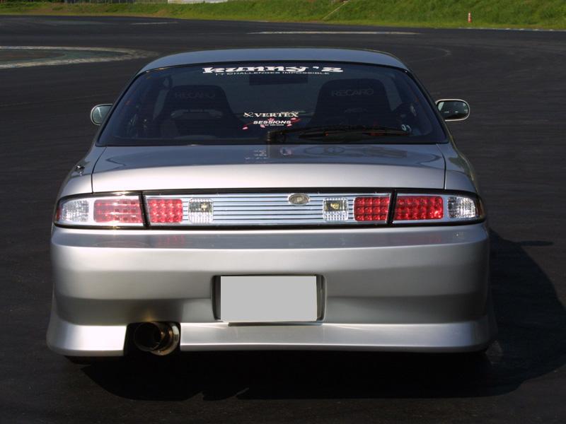商品名: リアバンパースポイラー 材質: FRP製 適合車種: S14 Silvia (前期) 価格: ¥32,184(税込) 個  ご注意 FRP製パーツは白ゲルコートでの出荷になります。表記の価格には、塗 […]