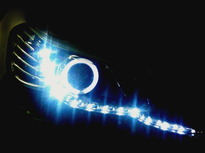 GRX130系 マークX ウイングライン・LEDポジショニングライト発売