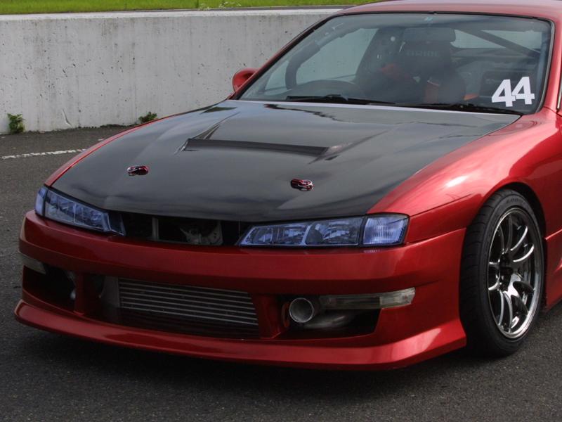 商品名: ボンネット 適合車種: S14 Silvia (後期) 価格: カーボン製 ¥71,064(税込) 個  FRP製  ¥49,464(税込) 個  ご注意 「カートに入れる」ボタンをクリック […]